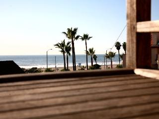 Pacific Breeze walk to main st and the pier! - Huntington Beach vacation rentals