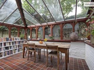 Mediterranean style 1 bed with garden, sleeps 4, central London - London vacation rentals