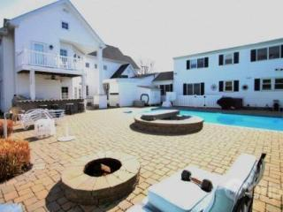 9+BR w/Pool, Sleeps 22, Three Blocks from the Beach. - Rehoboth Beach vacation rentals
