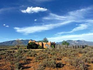 Adobe de Artista 1 Bedroom - Taos Area vacation rentals