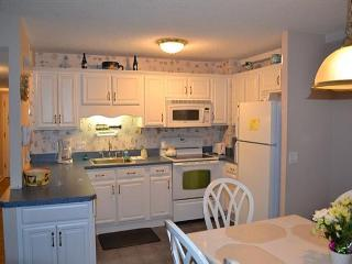 Myrtle Beach Resort 217B | Comfy Condo with Bunk Bed and Full Kitchen - Myrtle Beach vacation rentals