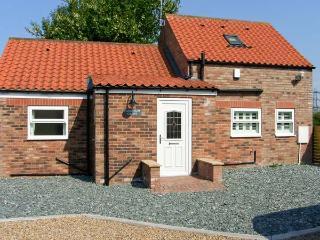 LABURNUM CROFT, detached, en-suite facilities, rural views, in Moor Monkton Ref 24077 - York vacation rentals