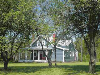 Slate Hill Schoolhouse in Fort Valley, VA - Linden vacation rentals