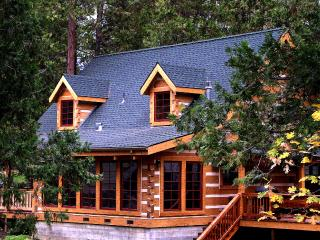 The Mount's Bass Lake Log Cabin Vacation Rental - Yosemite Area vacation rentals