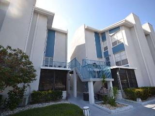 Madeira Beach Yacht Club 175F - Very Nice Townhouse in gated community! - Madeira Beach vacation rentals