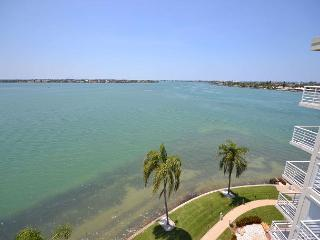 Bahia Vista 17-881 Amazing Penthouse with Spectacular Bay Views! - Saint Petersburg vacation rentals