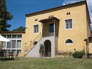 MAGNOLIA house in a historical monumental estate. - San Pietro a Marcigliano vacation rentals