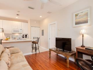 Gorgeous Abacoa Apt, Walk to Roger Dean & Town Ctr - North Palm Beach vacation rentals