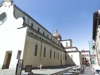VERY behind Basilica Santo Spirito - Florence vacation rentals