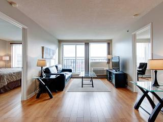 SPACIOUS AND SUNNY 2 BEDROOMS CONDO - Montreal vacation rentals