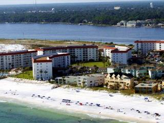 Have two couples? This two bedroom unit is perfect for you. - Fort Walton Beach vacation rentals