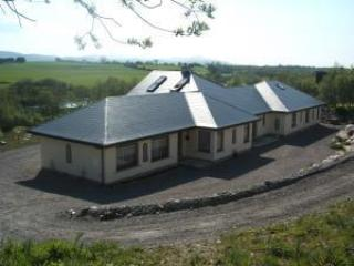 M0dern 2 Bedroom Apartment On Ring Of Kerry - Killarney vacation rentals