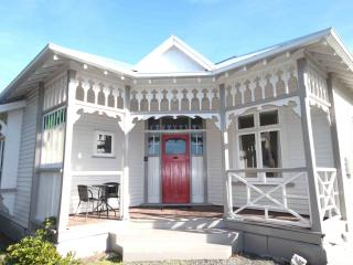 Clarence House - Christchurch Holiday Homes - Christchurch vacation rentals