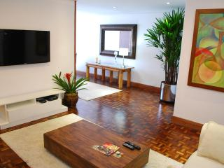 BEAUTIFUL APARTMENT IN BEST NEIGHBORHOOD IN TOWN. - Curitiba vacation rentals