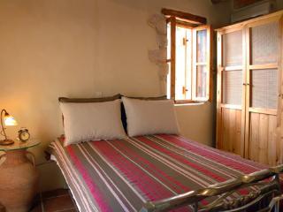 Beautiful traditional house IRINI ''Neo petrino'' - Vafes vacation rentals