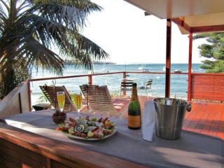 BUNDEENA BEACH HUT - New South Wales vacation rentals
