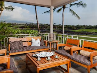 Four Seasons Luxury 3BD Waiulu Villa, Upper Level, Gorgeous Decor and Views - Kailua-Kona vacation rentals