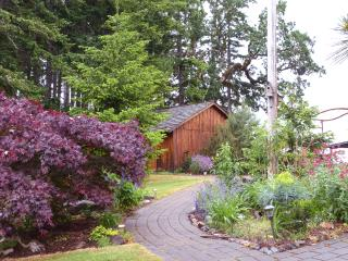 Bethell Woods: a Wine Country B and B - Salem vacation rentals