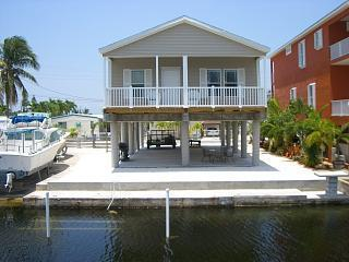40 ft. dock on canal leading out to Tarpon Basin - Relaxing Getaway (REDUCED) in Key Largo - Key Largo - rentals