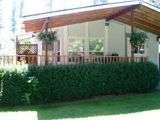 Garden Cottage, Flathead Lake, Lakeside, Montana - Flathead Lake vacation rentals