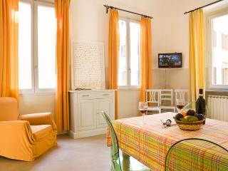 Superior 2 Bedroom Florence Vacation Rental - Florence vacation rentals