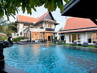 Pool Villa Black Opal BEACH FRONT LOCATION PATTAYA - Jomtien Beach vacation rentals
