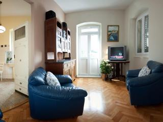 Sweet Home Apartment - Split vacation rentals