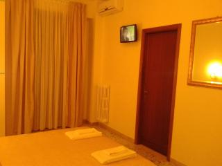B&B la Stazione del Vaticano - Roma vacation rentals