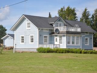 Villa Papinniitty - Ruotsinpyhtaa vacation rentals