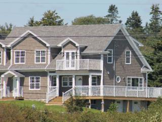 The Sandpiper   - Ocean view in quality accomodation - Hunt's Point vacation rentals