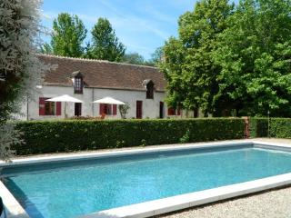 B&B Le Bout du Monde (250 km from Paris) - Indre vacation rentals