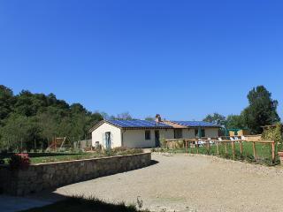 COTTAGE ARCOBALENO  garden / panoramic gazebo / pool - Pergine Valdarno vacation rentals