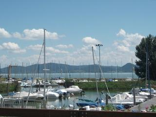Great apartment in Umbria on the Lake Trasimeno - Castiglione Del Lago vacation rentals
