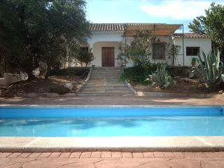 Lovely House in Iznajar, private pool. - Priego de Cordoba vacation rentals