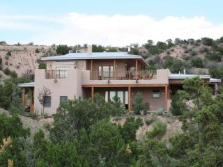 Contemporary upscale house with amazing views - Espanola vacation rentals