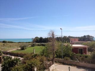 Casa a Marina di Ragusa vicino al Mare ed alla Riserva Naturale dell Irminio - Marina di Ragusa vacation rentals