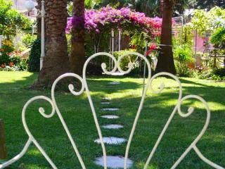 1 of 3 wide rooms, secret garden, in the centre of Naples - Naples vacation rentals