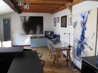 Holiday house Il Balcone PARMA (wi-fi) - Parma vacation rentals