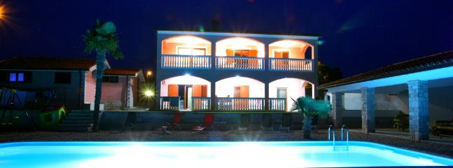 Beautiful Villa with a pool and sea view - Image 1 - Pula - rentals