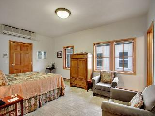Suite Located in Downtown Friday Harbor! - (San Juan Suites - Channel Room) - Orcas vacation rentals