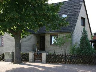 Vacation Apartment in Wolfenbüttel - 377 sqft, quiet location, central, close to nature (# 3900) - Wolfenbüttel vacation rentals