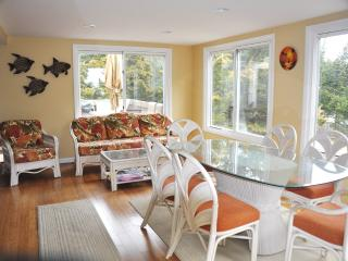 Loveladies, LBI:Updated Contemporary, 8th to beach - Long Beach Island vacation rentals
