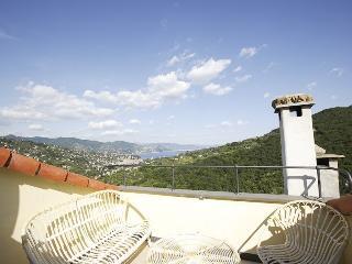Casa Margherita:tipical house Monte di Portofino - San Lorenzo della Costa vacation rentals