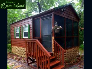 Rum Island Cabin on the Santa Fe River, Florida - High Springs vacation rentals