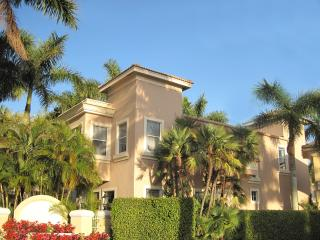 6 Room Lock-Out Golf, Tennis, SPA Resort Villa Suite (Nicklaus + Norman) - Palm Beach Gardens vacation rentals