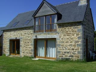 Koad Arzhur:  Old farmhouse of the 18th Century, - Pontrieux vacation rentals