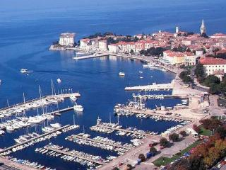 New built residence with confortable suites and rooms b&b in the centre of Poreč. - Porec-Kufci vacation rentals