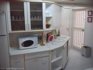 Spacious apartment next to Picasso´s birthhouse - Malaga vacation rentals