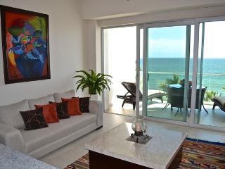 Azul Condominium Ocean Escape - Cruz de Juanacaxtle vacation rentals