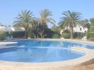 Villa 4 bed,3 bath, air cond,pool,barbacue,sat tv - Javea vacation rentals
